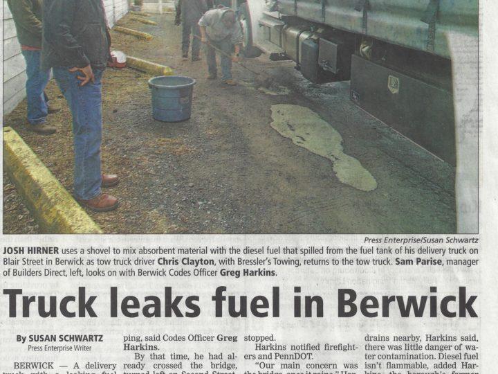 Truck leaks fuel in Berwick